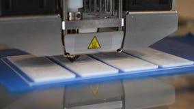 Drukuje płaskie części na 3D drukarce zbiory wideo