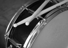 Drum with sticks. In black & white Royalty Free Stock Photos