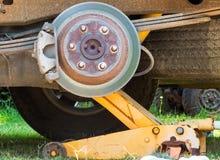 Drume do freio no caminhão velho fotografia de stock royalty free