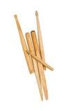 Drumsticks дьявола сломанные рожками деревянные на белизне Стоковые Изображения RF
