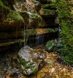 Druppelende waterval Royalty-vrije Stock Foto's