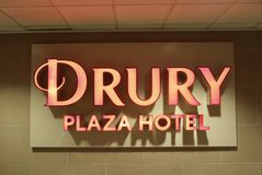 Drury Plaza Hotel Billboard. Drury Plaza Hotel is an American chain of hotels, motels and restaurants located primarily throughout the United States Stock Photos