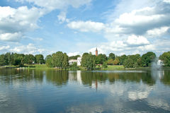 Druskininkai. άποψη της πόλης από τη λίμνη Στοκ Εικόνες
