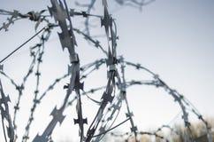 Drut ostry, barbed, ochrona, ogrodzenie, system Zdjęcie Royalty Free