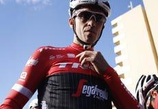 Drużynowa wędrówka Segafredo z Alberto Contador przed trenować Obrazy Stock