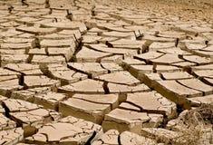 Dry knäckte jord Arkivfoton