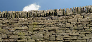 Dry stone wall in Derbyshire Royalty Free Stock Photos
