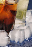 Drycker med is Fotografering för Bildbyråer