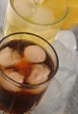 Drycker med is Arkivbilder