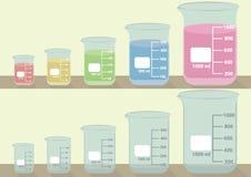 Dryckeskärlar för laboratoriumglasföremål 5 format stock illustrationer