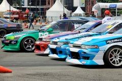 Dryftowa rasa: Dryftowi konkursantów samochody Obrazy Royalty Free