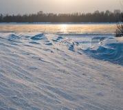 Dryfy i zamarznięty rzeczny Ob, Novosibirsk, Rosja obrazy royalty free