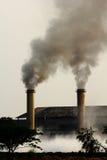 drymba fabryczny dym Zdjęcia Royalty Free
