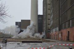 Drymby dmuchają przy elektrownią - up ijsselcentrale w miasteczku Zwolle obraz stock