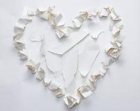 Drzejący zmięty papierowy kierowy kształt Obraz Stock