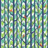 Drzew drewien lampasów bezszwowy wzór Lasowi drzewa z ptakami Zdjęcia Stock