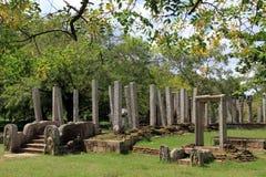 Drzewa i ruiny Fotografia Royalty Free