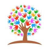 Drzewo z ręka logem - wektor ilustracja wektor