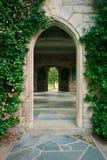 drzwi łękowaty kamień Zdjęcia Royalty Free