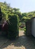 drzwi anglików ogrodowy ścieżki sekret Obraz Royalty Free