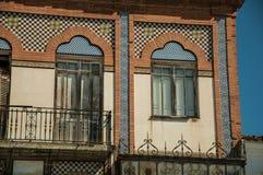 Drzwi balkon na budynku z ceramika płytkami przy Merida zdjęcie royalty free