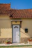 Drzwi dom w Portugalskiej wiosce Zdjęcia Royalty Free