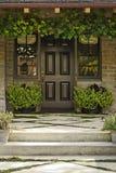 drzwi drewniany frontowy Obrazy Royalty Free
