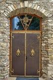 Drzwi kościół z ortodoksyjnym krzyżem Zdjęcie Stock