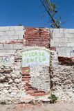 Drzwi malujący na ścianie zdjęcie royalty free