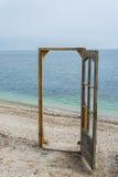 Drzwi na plaży Zdjęcia Royalty Free