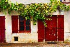 Drzwi, okno, żaluzja, Francja zdjęcie royalty free