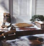 drzwi przodu domu zima zdjęcie royalty free