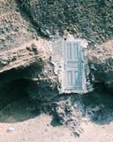 Drzwi w czerwieni plaży santorini Obraz Stock