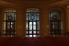 Drzwi w Palatul Parlamentului pałac parlament, Bucharest Zdjęcia Stock