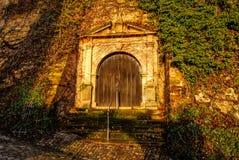 Drzwi W wzgórzu zdjęcia stock