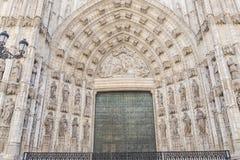 Drzwi wniebowzięcie Sevilla katedra w Hiszpania fotografia royalty free
