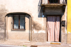 Drzwi wyszczególniają od średniowiecznego grodzkiego Lucca Fotografia Royalty Free