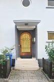 drzwiowego wejścia domu marmur drewniany Zdjęcie Stock