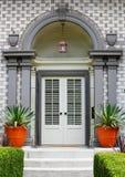 drzwiowy elegancki frontowy dom Zdjęcia Stock