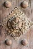 Drzwiowy knocker w antycznym Chiny obraz stock