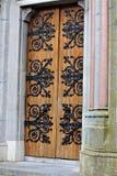 drzwiowy masywny nabijać ćwiekami fotografia royalty free
