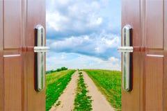 drzwiowy otwarte niebo zdjęcia royalty free