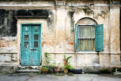 drzwiowy stary ścienny okno Zdjęcia Stock