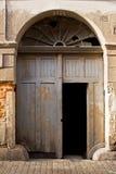 drzwiowy stary zeskrobany Obrazy Royalty Free