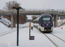 DSB IC4 pociąg opuszcza Vordingborg stację Zdjęcie Stock