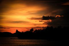 Dschungel-Sonnenuntergang Lizenzfreie Stockfotos
