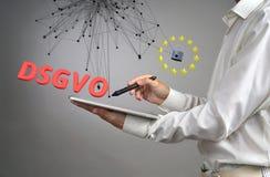 DSGVO, niemiecka wersja GDPR Ogólnych dane ochrony Przepisowy pojęcie ochrona osobiści dane Młody człowiek fotografia royalty free