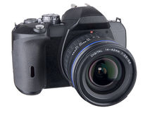 DSLR Front Angled With Standard Zoom On White Royalty Free Stock Photos