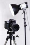 Dslr-Kamera auf Stativ Stockbild