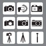 DSLR-Kamera, Blitz, Stativ, monopod in der Vektorikone lizenzfreie abbildung